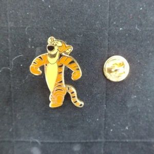 Disney Pin Small Tigger Black Nose
